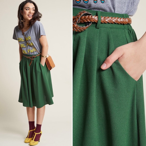 High Waist Green ModCloth MidiSkirt w/ Pockets! 💚